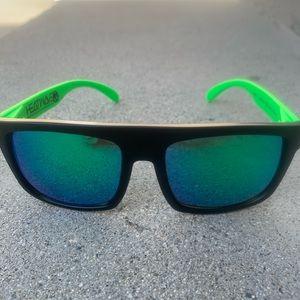 Other - Heatwave Sunglasses unisex!